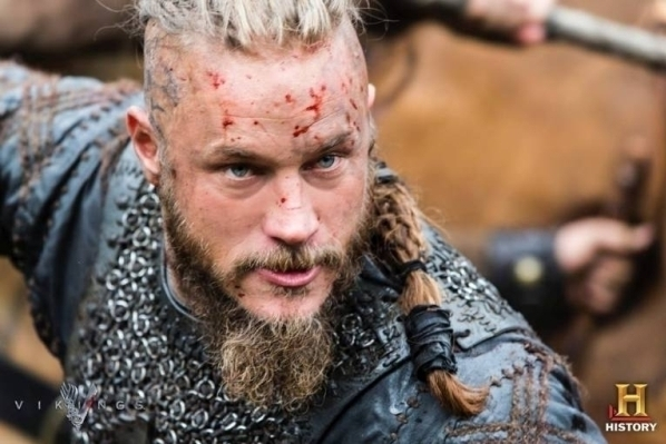 Ragnar Lothbrok - Vikings - History Channel